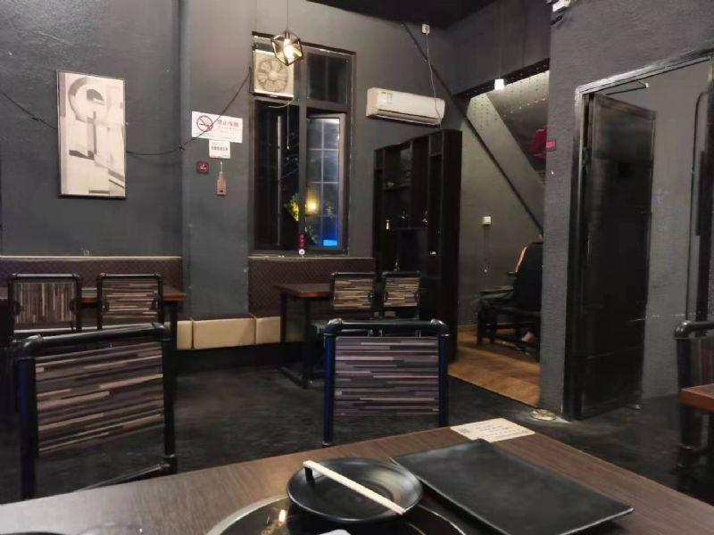 【无中介费】松江九亭烧烤龙虾店转让,生意稳定,固定客流。实景图片