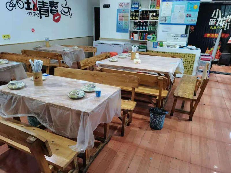 松江佘山桃源路小区门口烧烤炒菜店转让实景图片